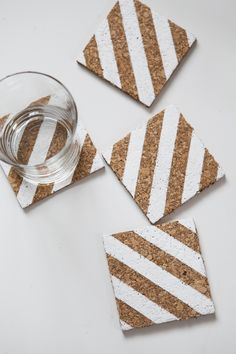 Use as place card and wedding favor. Don't have to paint. DIY Striped Corkboard Coasters--this could actually be a fantastic and inexpensive wedding favor! Coaster Crafts, Cork Coasters, Cork Crafts, Fun Crafts, Crafts For Kids, Corkboard Crafts, Tile Crafts, Cork Sheet, Diy Cork Board