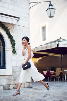 Nicole Warne is wearing all white top and culottes from ASOS, shoes from Chie Mihara and the bag from Mulberry Gary Pepper Girl, Summer Fashion Trends, Spring Summer Fashion, Spring Outfits, Autumn Fashion, Summer 2015, Fashion Blogger Style, Look Fashion, Girl Fashion