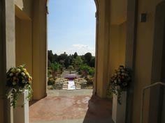 Rito civile nel giardino all'italiana - 2 settembre 2017 Sidewalk, Villa, Windows, Weddings, Side Walkway, Wedding, Walkway, Fork, Villas