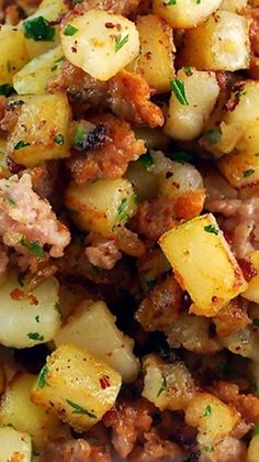 Sausage and Potato Breakfast Hash ~ Buttery, rich and delicious, this easy breakfast side dish hits all the perfect marks for a tasty start to the day. Make this recipe with Johnsonville Ground Italian Sausage! Breakfast Desayunos, Breakfast Potatoes, Sausage Breakfast, Breakfast Dishes, Breakfast Recipes, Breakfast Ideas, Yummy Food, Tasty, Brunch Recipes