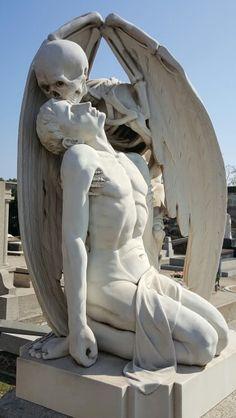 kiss of death barcelona Art Du Monde, Greek Statues, Art Ancien, Arte Obscura, Cemetery Art, Greek Art, Classical Art, Art Abstrait, Renaissance Art