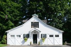 Pin by old house dreams on carriage house / garage / barns.