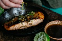 Try this glaze made with agave powder,  is just beautiful not only with salmon but also brushed over chicken breasts. Make a double batch and keep some handy in the fridge for a quick dinner. Serve with wilted greens and white rice for a speedy, healthy dinner.