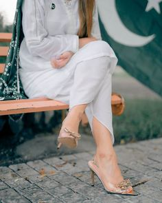 Cute Girl Poses, Cute Girl Pic, Girl Photo Poses, Girl Photos, Cute Girls, Dps For Girls, Stylish Dp, Pakistani Dress Design, Pakistani Dresses