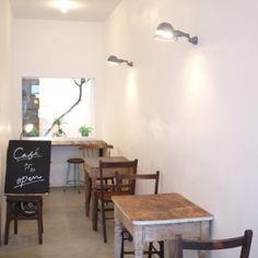【カフェ風インテリアのお手本】 | 暮らしのかたすみ  Happyvanilla* じっさいのカフェの店内