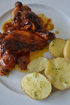 Aquí tenéis mi particular receta de alitas de pollo barbacoa, surgió de una combinacion de recetas de internet y lo que tenía por la coci...