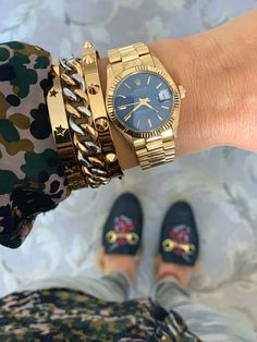 Please Re-Pin for later 😍💞 gold rolex watch, gold rolex daytona, gold rolex watches men, gold rolex submariner, white gold rolex, gold rolex day date Gold Rolex Women, Gold Watches Women, Ladies Rolex Watches, Rolex Watch Price, Gold And Silver Bracelets, Luxury Jewelry, Vintage Watches, Watch Bands, Fashion Jewelry