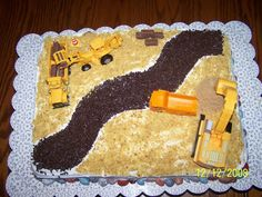 Now this cake is cool - and doesn't look overwhelmingly difficult to pull off!
