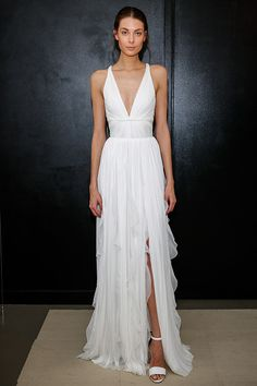 17 Beachy Wedding Dresses From SS17 Bridal Fashion Week - The Best Gowns for a Beach Wedding 2017