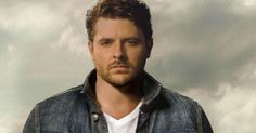 Chris Young To The Rescue During His Show In Glens Falls, NY | Got Country Online