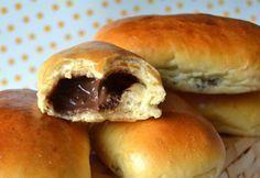 Petit pain au lait fourrè chocolat super bon & facile à faire