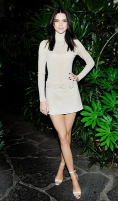 Das Model der Stunde Kendall Jenner bei der Calvin Klein Jeans Party in einem Komplett-Look von Calvin Klein