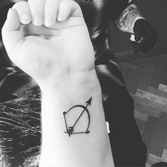 Oh hey beautiful thanks for being absolutely awesome! Sagittarius Tattoos, Horoscope Tattoos, Awesome Tattoos, Cool Tattoos, Saggitarius, Fall Out 4, Fit Chicks, Deathly Hallows Tattoo, Mind Blown