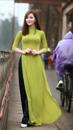 Vietnamese long dress by laurie Long Dress Fashion, Indian Fashion Dresses, Indian Designer Outfits, Designer Dresses, Fashion Outfits, Vietnamese Dress, Vietnamese Traditional Dress, Traditional Dresses, Kurti Designs Party Wear