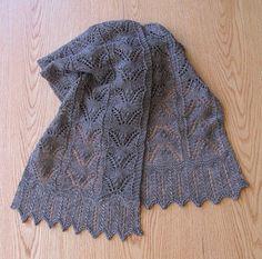 Ажурный шарф спицами с описанием