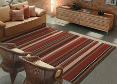 Os tapetes são itens chave na hora da decoração. Porém com a grande variedade , fica difícil escolher o tapete certo para sua casa. Saiba como escolher o certo.