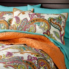 Target : Xhilaration® Paisley Bedding Just bought this for her dorm room (on clearance) and SHE LOVES IT! Paisley Bedding, Paisley Quilt, Bedroom Colors, Bedroom Decor, Bedroom Ideas, Bedroom Stuff, Bath Decor, Bedroom Inspo, Linen Bedding