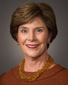 When Laura Bush was in high school, she neglected to stop at a stop sign when she was driving. She hit another car and killed its driver, Michael Dutton Douglas, who happened to be a close friend and classmate. Jenna Bush, Laura Bush, Texas Governor's Mansion, Rebecca Gayheart, Presidents Wives, Old Fashioned Recipes, Celebrity List, Celebs, Celebrities