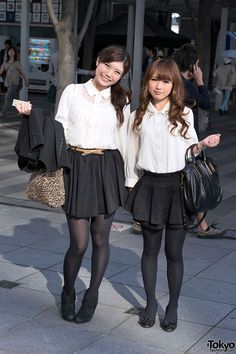 street snaps from Tokyo Girls Collection 2012 Autumn/Winter - featuring Japanese fall fashion trends.FabFashion in Tokyo My Tights, Tights Outfit, Black Tights, School Girl Dress, School Girl Japan, Young Fashion, Asian Fashion, Girl Fashion, Pantyhose Outfits