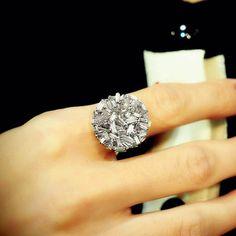 """Fireworks"" 18K White Gold Diamond Circle Ring - Plukka - Shop Fine Jewelry Online"