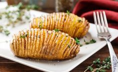 Besser als Pommes frites - food street - Dinner Recipes Batatas Hasselback, Hassleback Potatoes, Baked Potatoes, Sliced Potatoes, Grilling Recipes, Cooking Recipes, Healthy Recipes, Snacks Recipes, Vegetarian Recipes