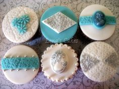 Vintage blue and silver cupcakes