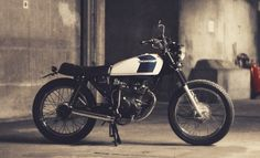 Dauphine-Lamarck's Honda 125 - The Bike Shed Honda 125, Honda Cgl 125, Tracker Motorcycle, Moto Bike, Motorcycle Style, Cg 125 Cafe Racer, Estilo Cafe Racer, Custom Motorcycles, Custom Bikes