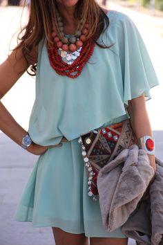Beautiful mint #dress           #fashion #styles. @Marga Castro Mayans para tu colección de verde agua