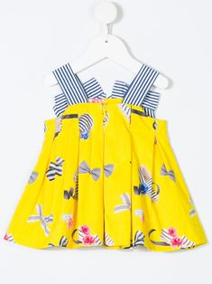 Shop Baby Casual Dresses from the best designer brands at Farfetch. Find hundreds of luxurious kidswear labels, all in one place. Casual Dresses For Women, Dresses For Sale, Baby Design, Branding Design, Bows, Shopping, Collection, Style, Fashion