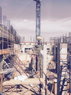 Pouring upper concrete deck support column.