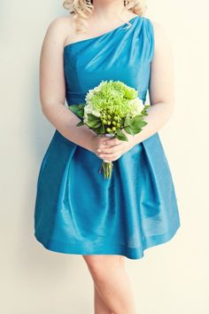 green bouquets for bridesmaids?