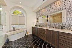 beautiful-white-master-bathroom