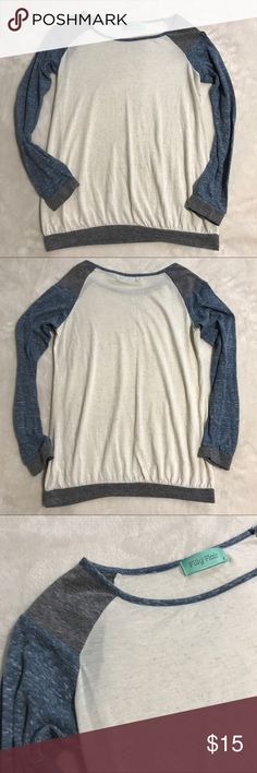 """Filly flair small colorblock baseball tee Excellent lightly worn filly flair small colorblock long sleeve Heathered baseball tee. Flat measurements: chest- 17.5"""", hips- 15"""", length- 23"""" filly flair Tops Tees - Long Sleeve"""