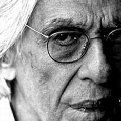 """O Oi Futuro em Ipanema homenageará, até o dia 30 de janeiro, em duas exposições, o poeta Ferreira Gullar, um dos fundadores do neoconcretismo, que completou 80 anos em setembro. Na galeria do centro cultural, a videoinstalação Há muitas noites na noite, do cineasta Sílvio Tendler, homenageia Poema Sujo, a mais ousada e polêmica obra...<br /><a class=""""more-link"""" href=""""https://catracalivre.com.br/geral/agenda/barato/rio-ferreira-gullar-em-homenagens/"""">Continue lendo »</a>"""