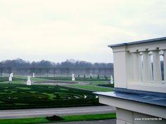 Schloss Herrenhausen in Hannover  Ausblick auf den Schlosspark