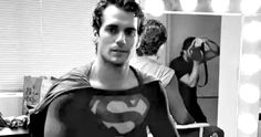 Henry Cavill Wears Christopher Reeve's Superman Costume in Screentest Photo -- Zack Snyder reveals the first photo of Henry Cavill in Christopher Reeve's iconic Superman suit when he first auditioned for Man of Steel. -- http://movieweb.com/superman-costume-man-of-steel-screen-test-photo-henry-cavill/