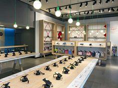 Dalziel and Pow - News - Paris, Chile: new Electronics department Electrical Stores, Phone Store, Electronic Shop, Mobile Shop, New Paris, Retail Shop, Retail Design, Visual Merchandising, Showroom