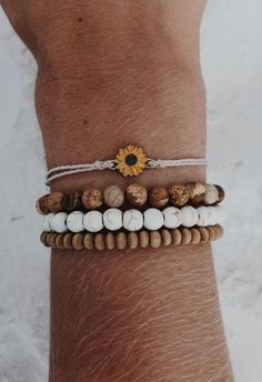 The sterling silver bracelets have actually been really popular amongst women. These bracelets are offered in various shapes, sizes and styles. Summer Bracelets, Cute Bracelets, Summer Jewelry, Bracelets For Men, Beaded Bracelets, Hippie Bracelets, Beaded Anklets, Necklaces, Cute Jewelry