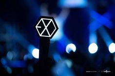 (20) Biểu tượng đánh dấu #EXOL700Days trên Twitter Ocean Wallpaper, Laptop Wallpaper, Lightstick Exo, Park Chanyeol, Cute Powerpoint Templates, Bts And Exo, Exo Concert, Exo Ot12, Kyungsoo