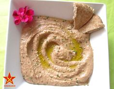 Humus de lentejas y tomate Hummus, Tapas, Food And Drink, Ethnic Recipes, Sauce, Ayurveda, Ibiza, Health Desserts, Vegan Food