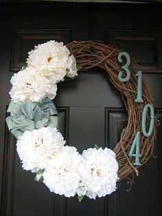 Unique Addresses–Fun DIY's that Make a Great Impression - Domestically Speaking I really want to make a door wreath with grapevines, silk hydrangea, ribbon and a wooden K (or M for Joshs and my first home) spaces decor Do It Yourself Design, Do It Yourself Inspiration, Do It Yourself Home, Style Inspiration, Do It Yourself Projects, Front Door Decor, Wreaths For Front Door, Front Porch, Front Doors
