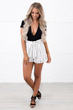 3b6bb9dd004c8 Out Of Town Printed Tie Front Shorts (Off White) - NanaMacs Boutique