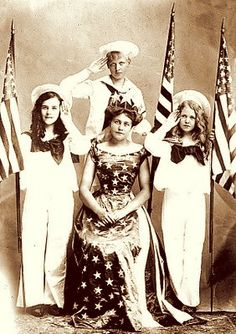 Wonderful 4th of July outfits. #Victorian #holidays #portraits #flags