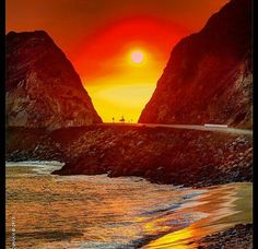 Firey sunset near Camarillo Ventura County California, California Dreamin', Camarillo California, Places To Travel, Places To See, Sol Sun, Travel Memories, Adventure Is Out There, Solo Travel