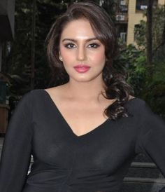 oh my god! Huma Qureshi showed her breast in her transparent dress Beautiful Gorgeous, Gorgeous Women, Beautiful People, Beautiful Saree, Hot Actresses, Indian Actresses, Huma Qureshi Hot, Transparent Dress, Transparent Clothes