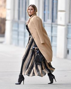 Olivia Palermo Nails This Winter Street Style Trick