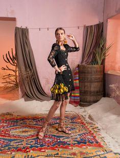 Вдохновением для новой летней коллекции от Alena Goretskaya стала Африка. Это яркая цветовая палитра, смешение стилей, анималистические и этнические принты, натуральные материалы, фурнитура и, конечно же, авторские аксессуары, которые дополнили и завершили образы, ярко отражающие стиль коллекции.    #alenagoretskaya #аленагорецкая #лето2020 #летнийобразженский #летнийобраз #тренды2020 #мода2020 #летнийобразнаработу #весна2020 #африка #образналето #платье #аксессуары2020 #аксессуары #кружево
