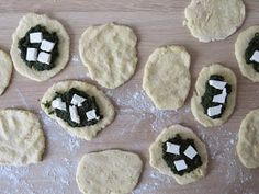 pat-elnia blog kulinarny: Placki z gotowanych ziemniaków ze szpinakiem i fetą Feta, Lunch, Sugar, Cookies, Desserts, Biscuits, Eat Lunch, Deserts, Dessert