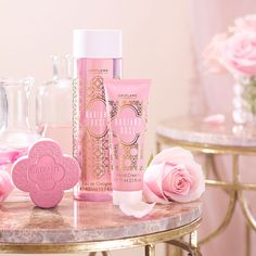 What a beautiful set, would make a lovely gift. Includes: Radiant Rose Eau De Cologne - Radiant Rose Hand Cream - Radiant Rose Soap Bar - Ask me about our free gift wrapping service 🎁 Daily Beauty, My Beauty, Beauty Skin, Giordani Gold Oriflame, Oriflame Beauty Products, Oriflame Business, Rose Bath, Emoji, Rose Soap