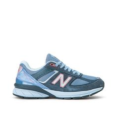 New Balance W990 OL5 Made in USA disponibles sur girlsonmyfeet.com 🔗 #newbalance #chaussuresfemme Baskets, New Balance Sneakers, New Balance Women, Nike, Good News, Shopping, Shoes, Usa, Blue